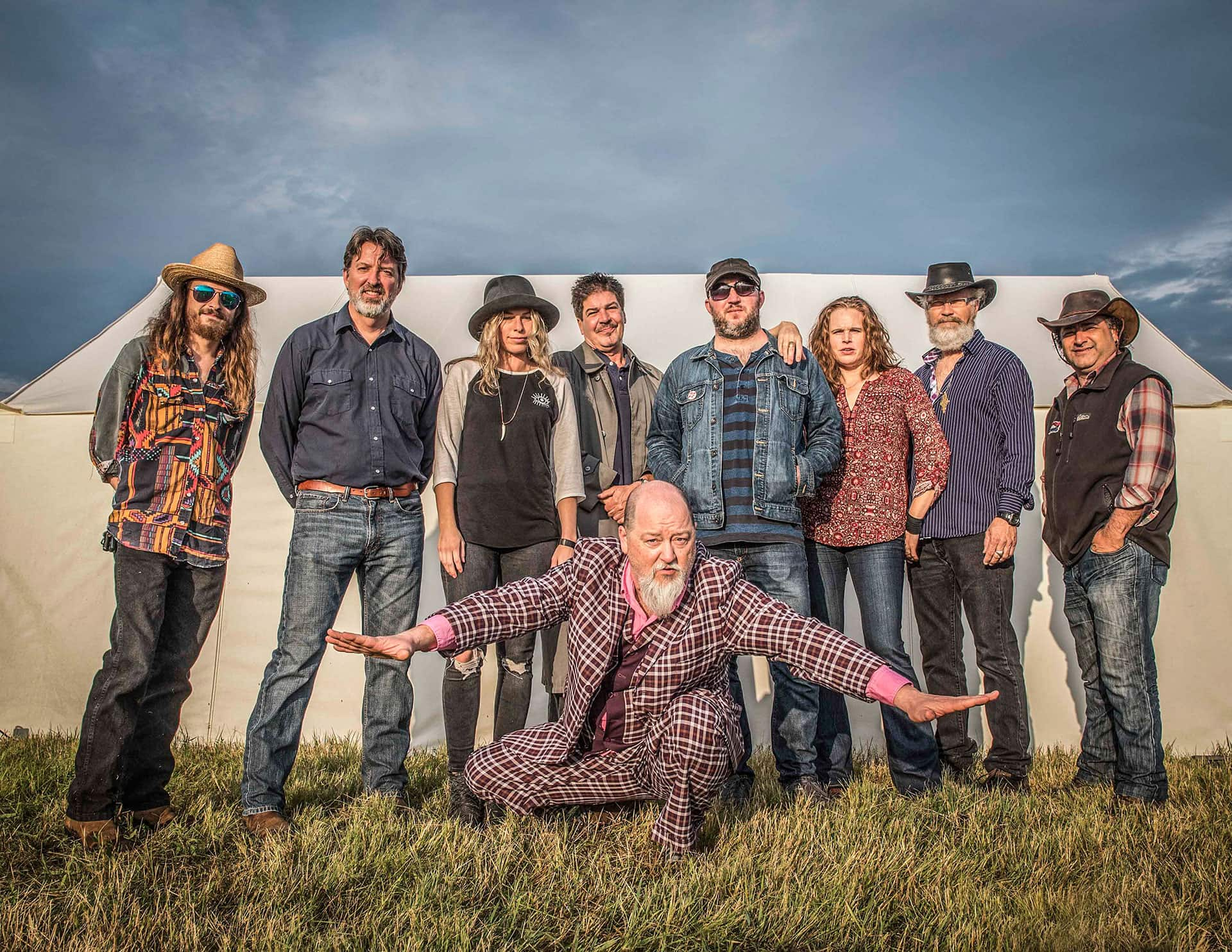 Shinyribs to bring swamp-funk to Bayou Theater, believes all dancing is good dancing