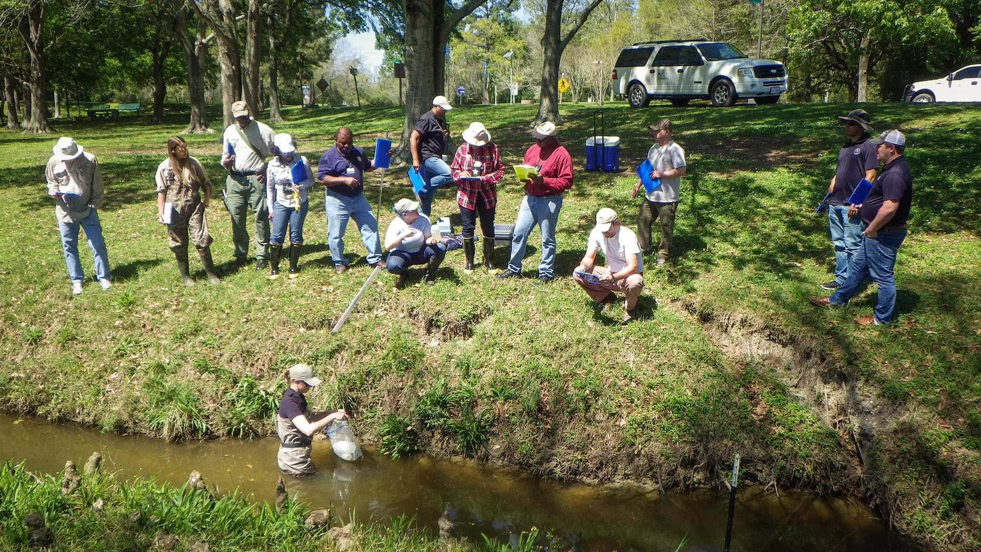 Surface water quality monitoring training at EIH