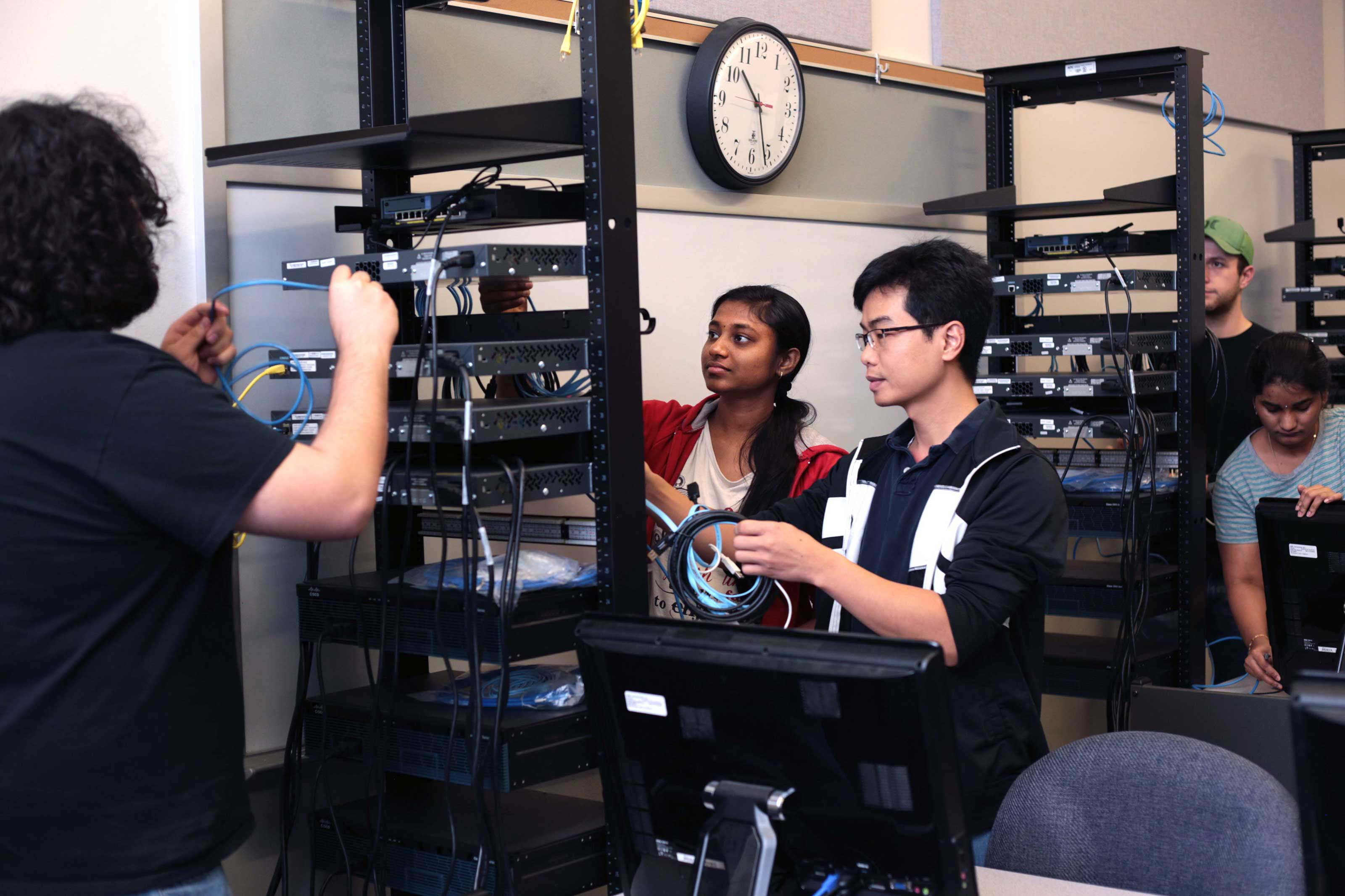 $2.5M NSF grant funds 5-year UHCL initiative in engaged learning